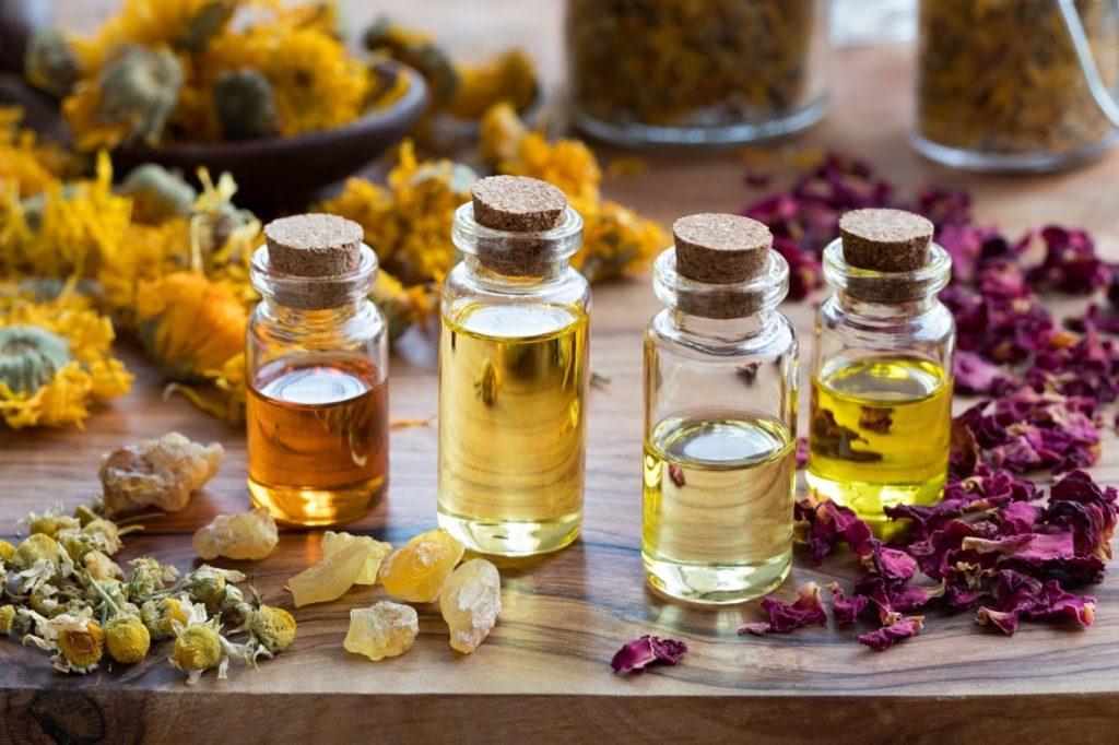 huiles essentielles contre les taches de vieillesses